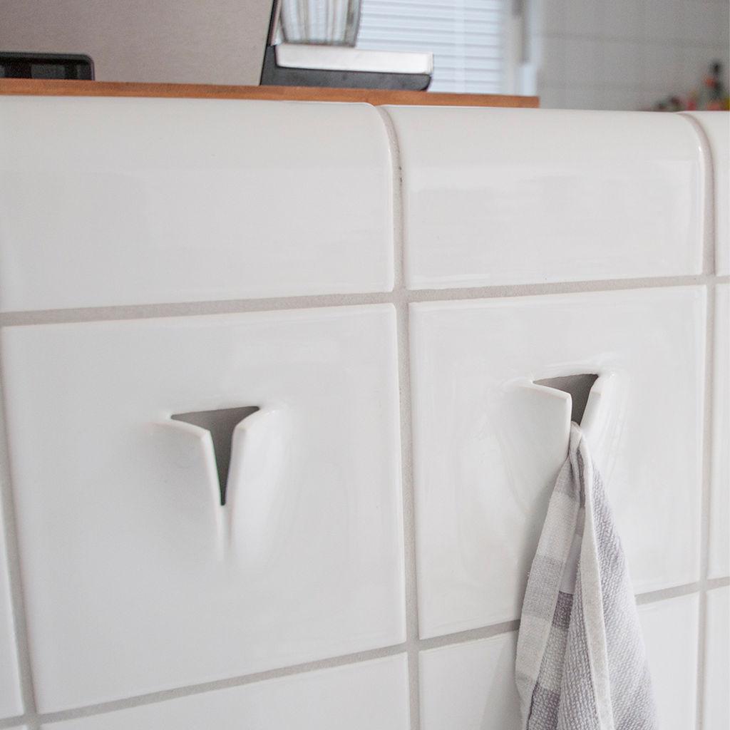 Handdoekhaak: tegel met haak voor handdoek