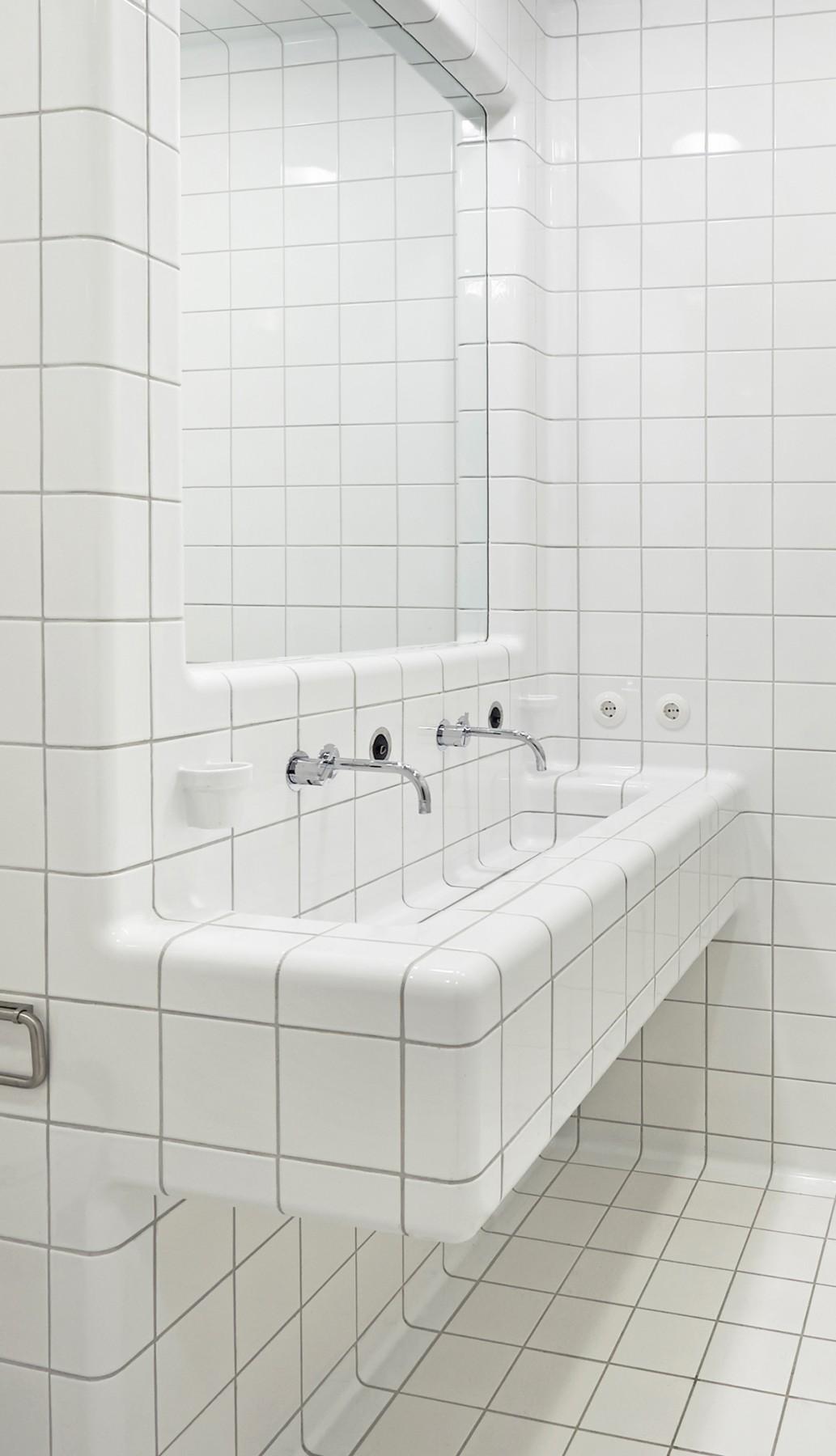 driedimensionale tegels wasbak, moderne constructie en functietegels in diverse kleuren