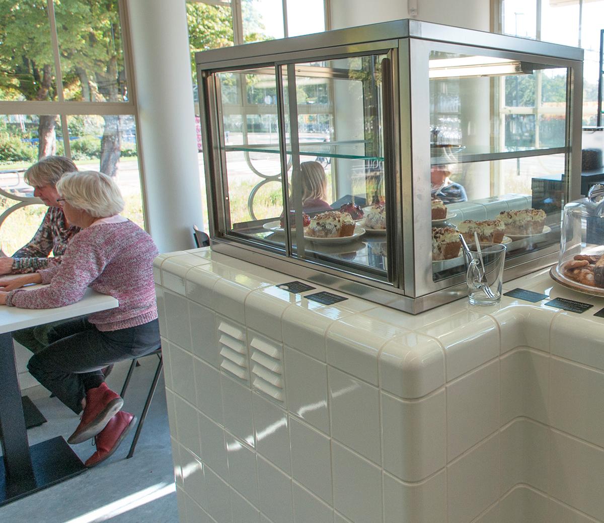 Betegelen van meubels met driedimensionale tegels