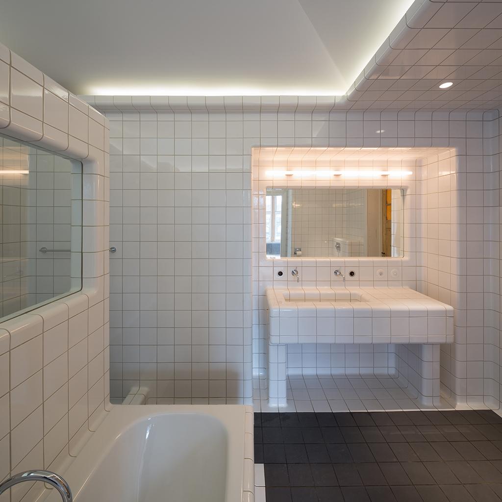 3d badkamer ontwerp met afgeronde tegels
